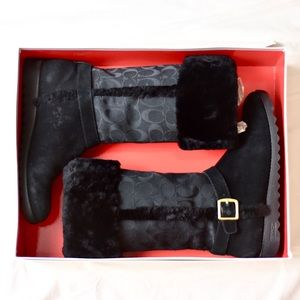 Coach Shoes - Coach Black Fur Winter Snow Boots Size 8 EUC